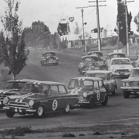 1965_SA_TOURING_CAR.jpg