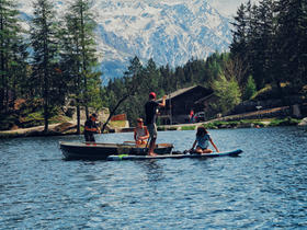 lac-barque-peche-sup-paddle-lac-champex-valais.jpg