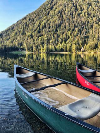 canoë-sur-plus-beau-lac-de-suisse