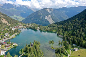plus-beau-lac-de-suisse-champex-valais-pédalos