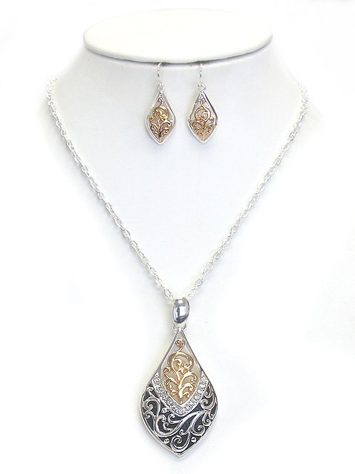Filigree Teardrop Necklace Set