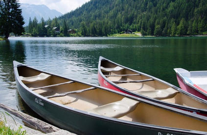 canoe-lac-montagne-photos-activité-alpes-valais-balade