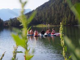 yoga-paddle-groupe-activité-insolite-suisse