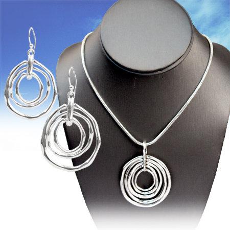 Bright Silver Circle Necklace