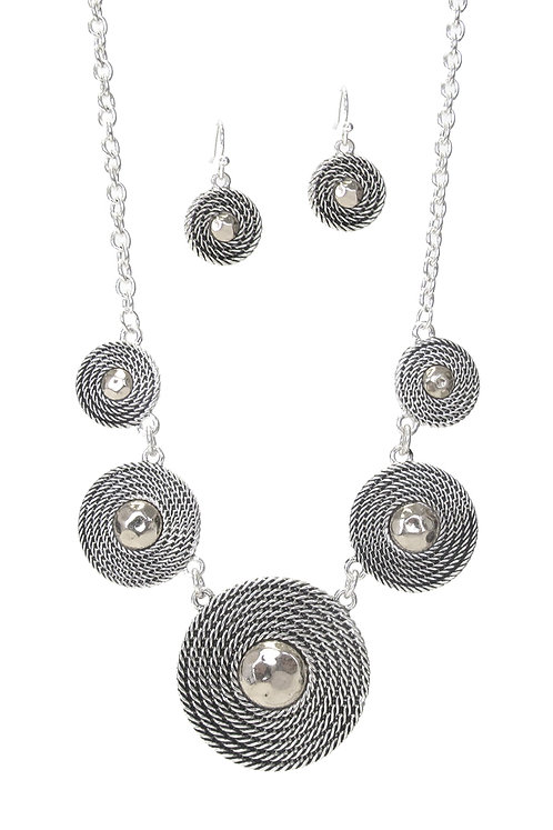 Silver Medallion Necklace Set