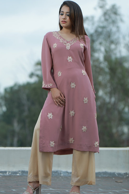 Women hand embroidered mauve georgette kurta
