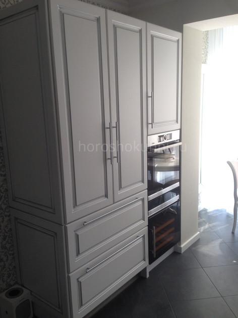Встроенный холодильник и винный бар