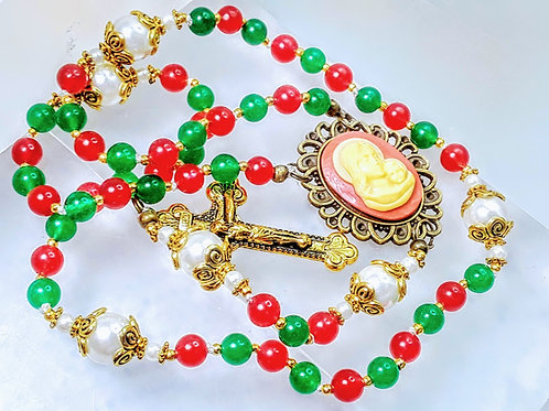 CHRISTMAS ROSARY Beautiful Candy Cane Red & Green Jade Bead Mary Cameo Rosary