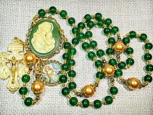 Beautiful Vatican Style Green Jade Bead Mary Child Cameo Pearl Charm Rosary & Ma