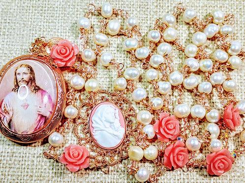 Vatican Style Cream Freshwater Pearl Pink Rose Jesus Cameo Locket Rosary