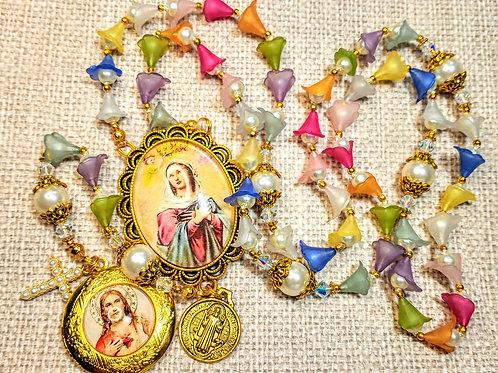 Beautiful Vatican Style Multi Color Tulip Cream Pearl Benedict Charm Locket Rosa