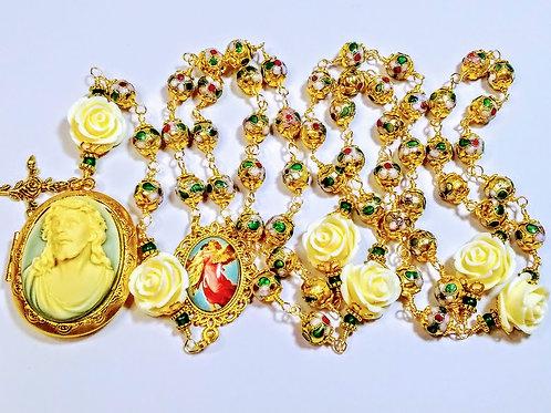 Beautiful Vatican Style Gold Cloisonné Bead Cream Rose Jesus Cameo Locket Rosary