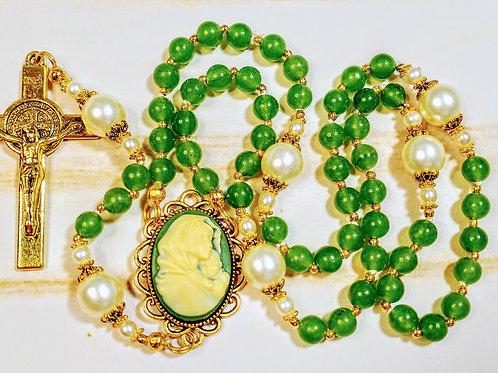 Beautiful Natural Green Jade Bead Cream Pearl Guadeloupe Benedict Rosary