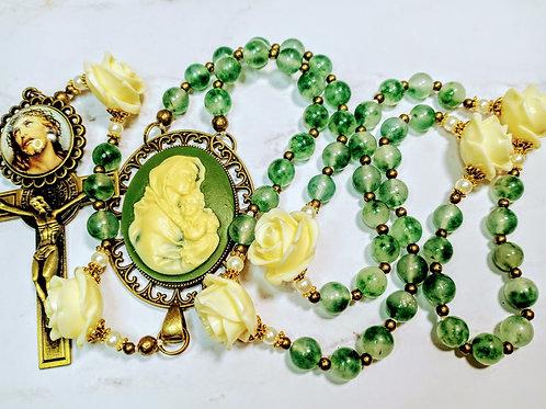 Beautiful Vatican Style Marble Emerald Green Jade Cream Roses Mary Cameo Rosary