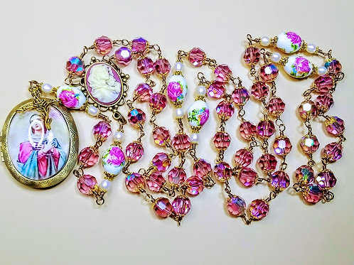 Beautiful Vatican Style Lt Amethyst Crystal Ceramic Rose Mary Cameo Pearl Rosary