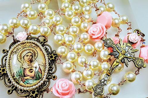 Beautiful Victorian Style Sacred Heart Mary Cameo Cream Pearl Rosary Swarovski