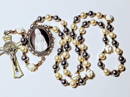 Beautiful Vatican Style Black Cream Pearl Mary Cameo St Benedict Catholic Rosary