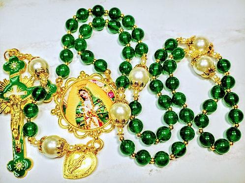 Beautiful  Emerald Green Jade Cream Pearl Guadeloupe Mary Gold Crucifix Rosary