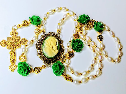 Victorian Christmas Evergreen Rose Bead Cream Freshwater Pearl Mary Cameo Rosary