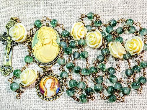 Beautiful Vatican Style Marble Emerald Green Jade Jesus Cameo Charm Rosary