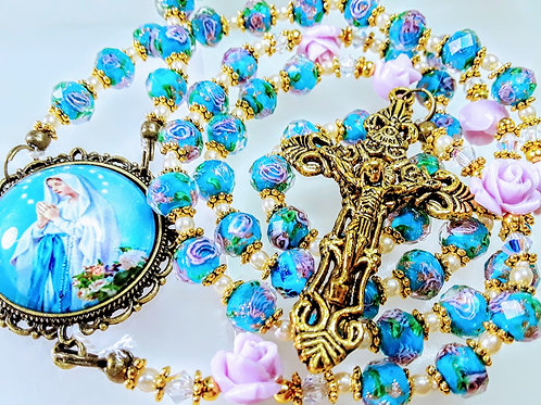 Beautiful Vintage Style Lt Blue Lavender Roses Lamp Work Mary Cameo Pearl Rosary