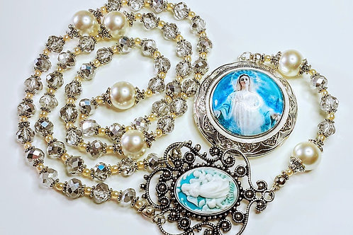Beautiful Antiqued Silver Mary Cameo Locket Silver Crystal Cream Pearl Rosary