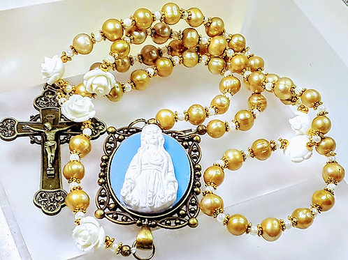 Beautiful Gold Champagne Freshwater Pearl White Roses Mary Cameo Catholic Rosary