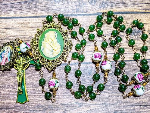 Beautiful Vatican Style Green Jade Bead Rose Ceramic Mary Cameo Benedict Rosary