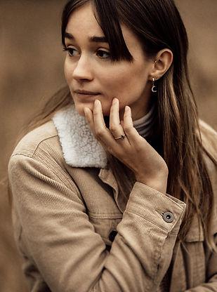 Rózsa Sára - Soft Light Visuals - Portréfotózás Magyarország