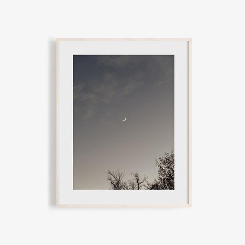 Soft Light Visuals - Under The Moon