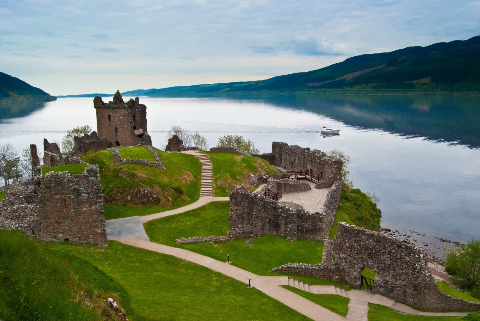 Loch Ness and Drumnadrochit Castle