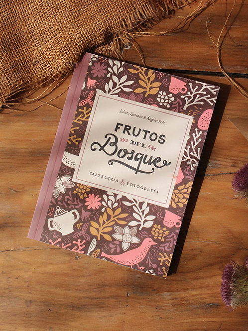 """Libro """"Frutos del Bosque"""""""