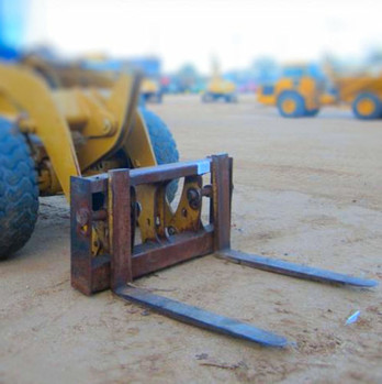 Implement Construction - CAT 928 forks