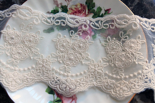 Reneabouquets Trim-Timeless Vintage Ivory Lace