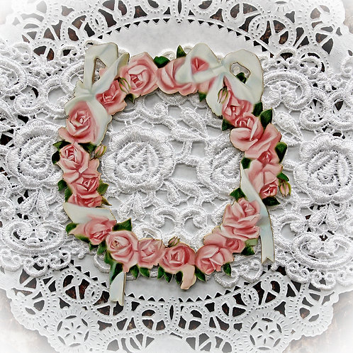 Beautiful Board Small Romance And Roses Circle of Roses Frame Chipboard