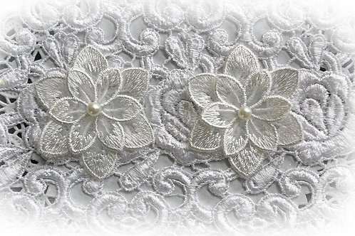 Reneabouquets Trim-2 Layer Flower Appliques In White