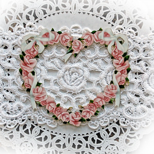 Beautiful Board Small Romance And Roses Heart Frame Laser Cut Chipboard