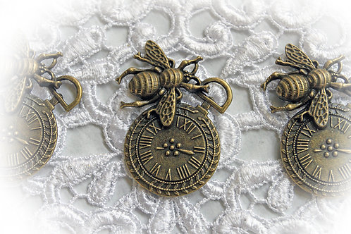 Reneabouquets Queen Bee Clock Charms Trinkets Pack