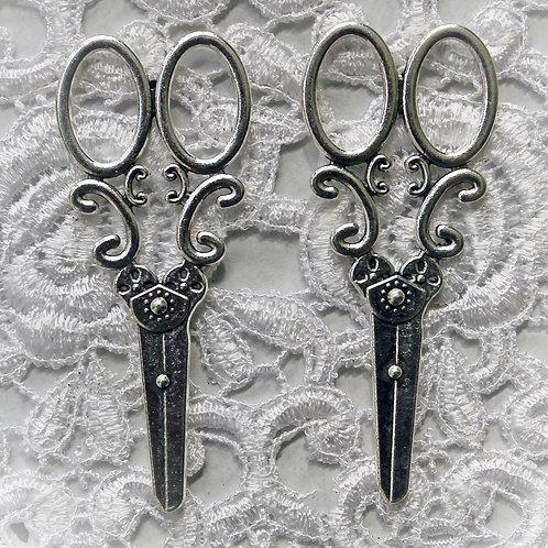 Set Of 2 Shabby Sweet Scissors In Silver