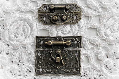 Reneabouquets Victorian Latches Trinkets Pack