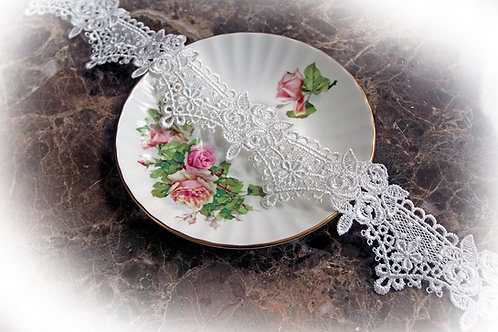 Rose Crown Lace~Off White 2 Inch Wide