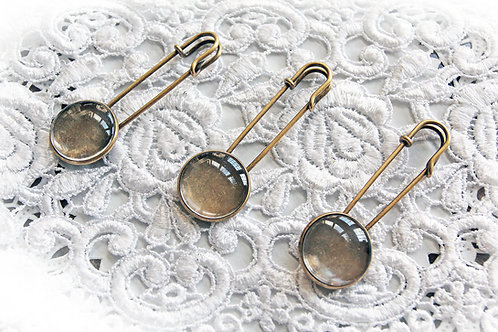 Reneabouquets~Metal Pin With Glass Dome Cabochon