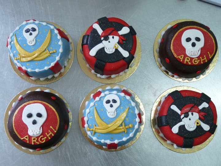 Biscuits,cup cake Pirate