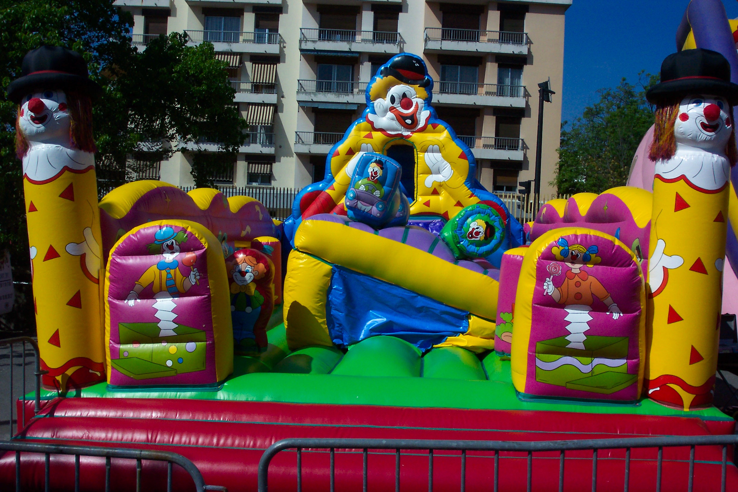 Chateau equilibre clown