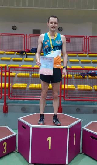 Thüringer Meister über 3.000m unter dem Erfurter Hallendach