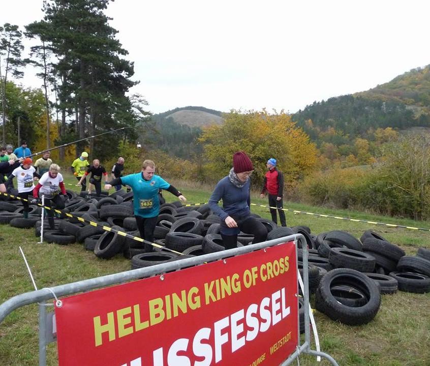 Christoph durch den Reifenparcours
