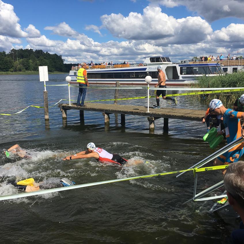 erster Schwimmeinstieg