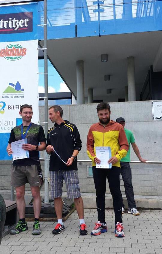 Denny Trefflich bei der Siegerehrung zum Elstertalmarathon in Gera