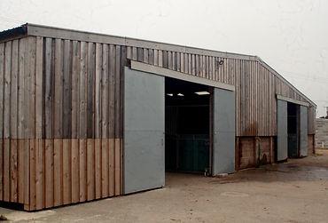 american horse barn