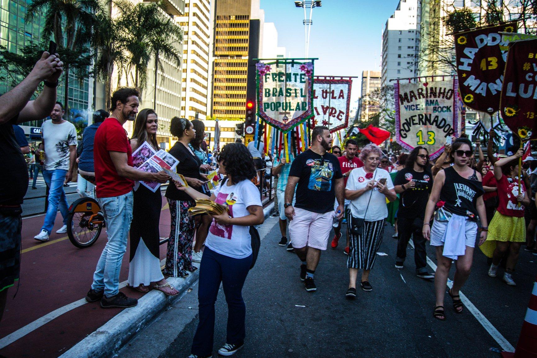 FOTO5A-Bloco vem com Lula